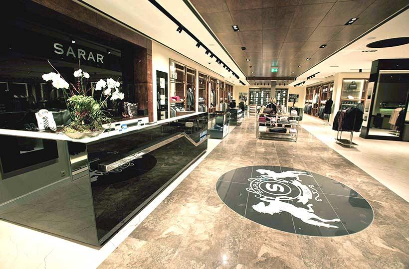 Innenansicht eines Sarar Shops, Referenz-Shop der Figo Gmbh, Shopdesign, Shopkonzeption, Projektleitung und Bauleitung