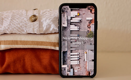Smartphone Shopping - Figo GmbH - Shopdesign, Shopkonzepte, Bauleitung, Projektmanagement