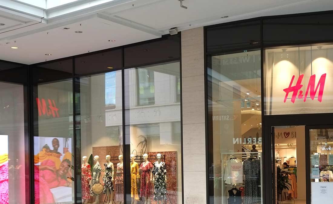 H&M Eingang - Referenz der Figo Gmbh, Shopdesign, Shopkonzeption, Projektleitung und Bauleitung